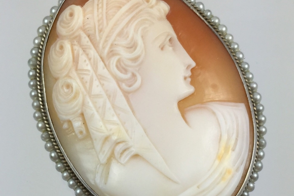 Vintage Antique Shell Cameo Sterling & Natural Seed Pearl Brooch