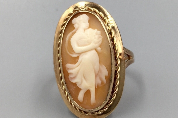 14K Gold Full Figure Maiden Cameo Ring - Flora Goddess of Flowers