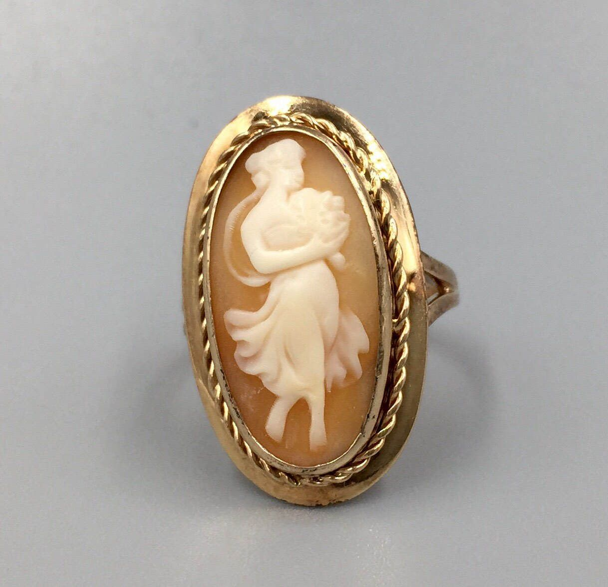 14K Gold Full Figure Maiden Cameo Ring Flora Goddess of