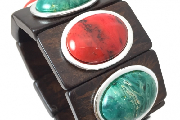 Vintage Red & Green Swirled Lucite Cabs on Wood Stretch Bracelet