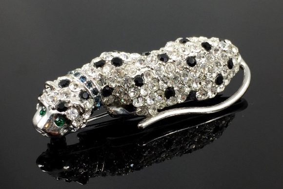 KJL For Avon Rhinestone Leopard Brooch