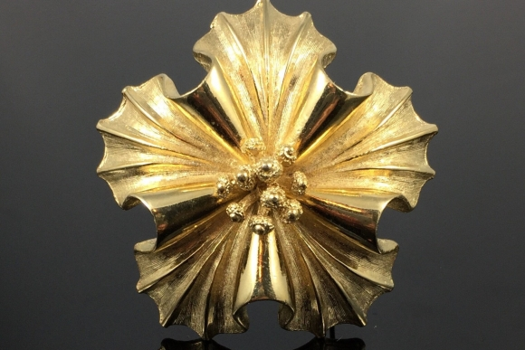Coro Gold Flower Brooch - Vintage 50s