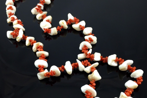Natural Branch Coral and Mother of Pearl Necklace - Vintage 1960s