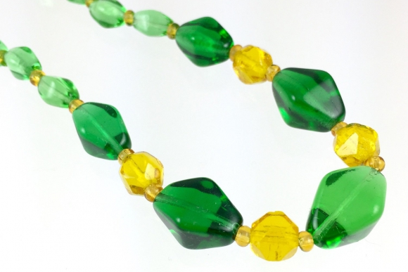 Art Deco Green & Yellow Glass Bead Necklace - Vintage 1930s