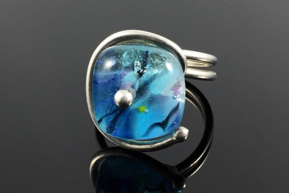 Blue Lampwork Art Glass Bead Ring - Vintage, Murano, Size 6.5