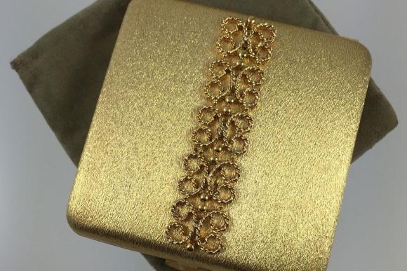 Vintage Avon Imperial Powder Compact - 1960s Goldtone