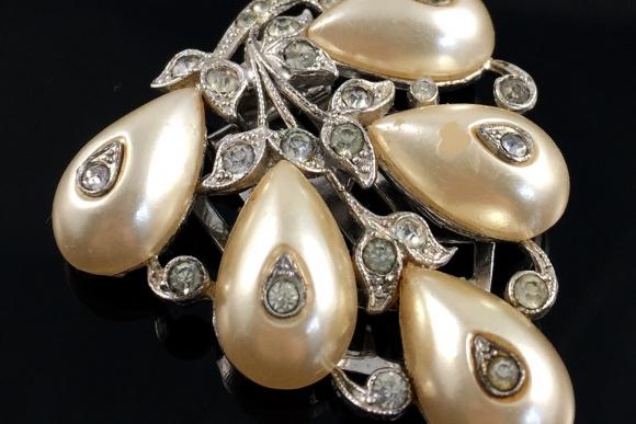 Alfred Phillipe, Crown Trifari Dress Clip - Vintage 1940s, Shoe Button Pearls