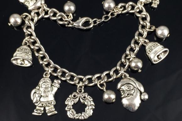 Silver Christmas Charm Bracelet - Vintage 80s Santa Claus Charms