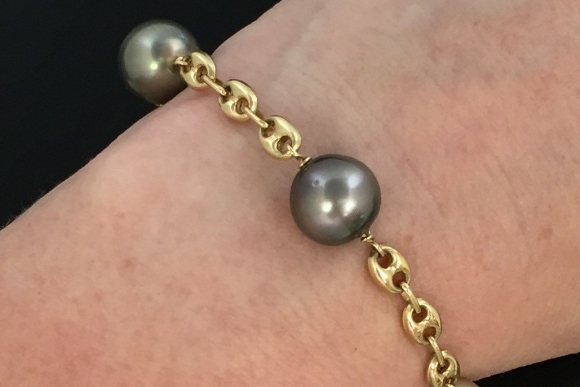 Fine Estate Tahitian Black Pearl 14K Gold Puffy Gucci Bracelet
