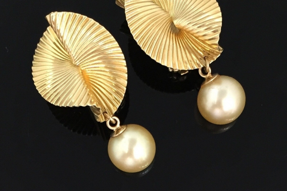 Vintage 14K Gold Pearl Origami Earrings - Circa 1980s 9.5MM Pearls