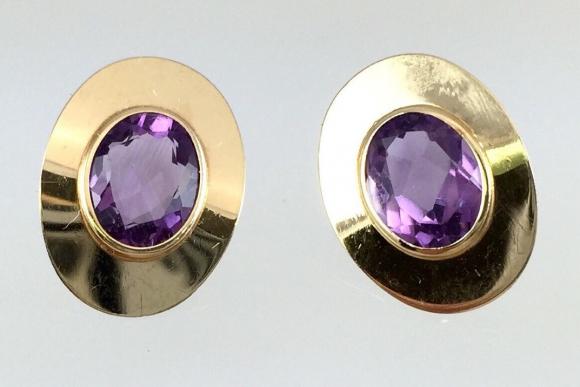 14K Oval Amethyst Pierced Earrings - Vintage Gold 4.5Ctw