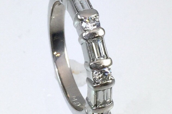 Platinum Diamond Wedding Anniversary Band - Round Brilliant