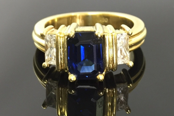 18K Gold Emerald Cut Sapphire Three Stone Ring - Vintage 1990s