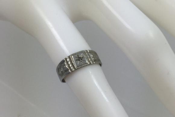 10K White Gold Diamond Baby Child's Ring - Vintage 1940s Size 2.5