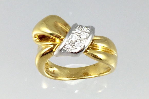 Damiani 18K Diamond Bow Ring - Vintage 1990s Italian Designer Diamond Bow