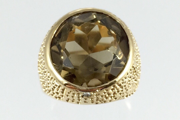 18K Gold Smoky Topaz Quartz Ring - Vintage 1960s Stippled Yellow Gold