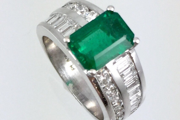 Natural Emerald & Diamond Platinum Ring - Vintage Estate 1.75CT