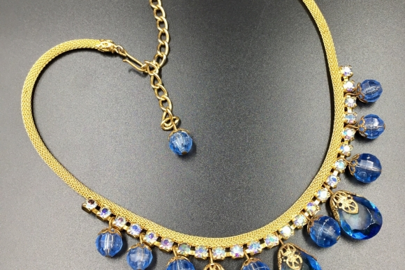 Delizza & Elster Gold Mesh Chain Blue Drops Dangle Necklace - Vintage 1970s