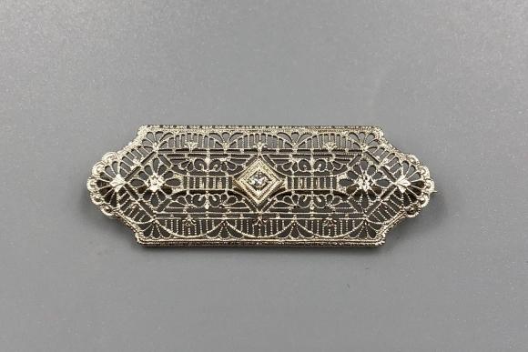 Edwardian 10K White Gold Diamond Filigree Bar Pin Brooch
