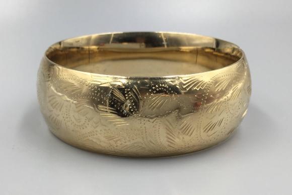 Wide 14K Gold Engraved Hinged Bangle Bracelet