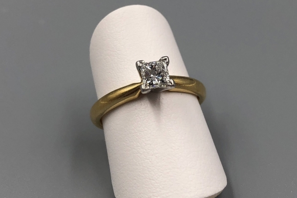 18K Platinum Princess Diamond Engagement Ring