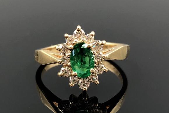 14K Emerald Diamond Cluster Ring