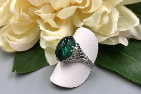 Edwardian 14K Filigree Green Tourmaline Cabochon Ring