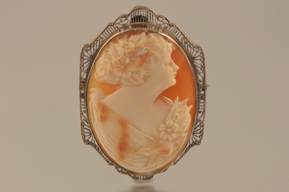 14K Large Shell Cameo Brooch