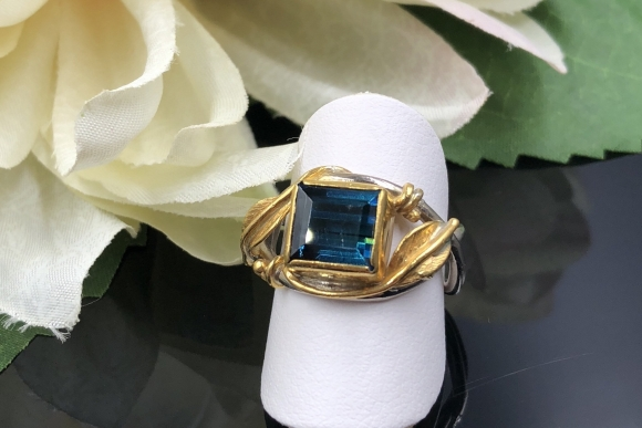 18K Indicolite Blue Tourmaline Ring