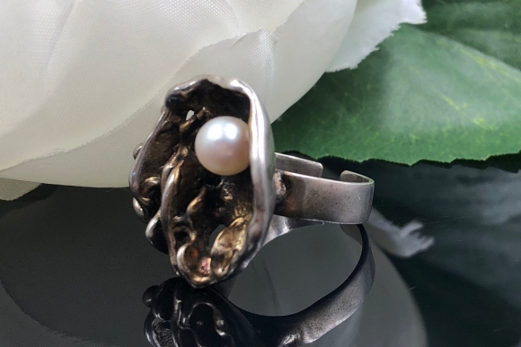 Brutalist 800 Silver White Pearl Adjustable Ring