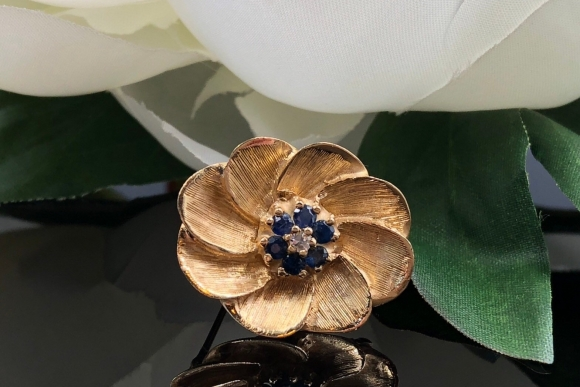14K Gold Sapphire Diamond Flower Brooch, Gold Flower Pin, Dainty Flower, September Birthstone, Brushed Gold, Sapphire Cluster, Gift for Her