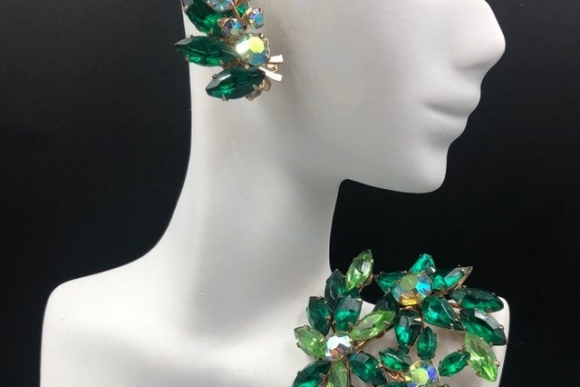 Beau Jewels Green Brooch Earrings Jewelry Set