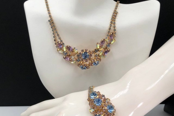 Blue Pink Rhinestone Necklace Bracelet Jewelry Set