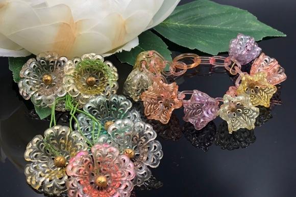 Art Deco Pastel Celluloid Dangle Flower Charms Bracelet Brooch Demi Parure