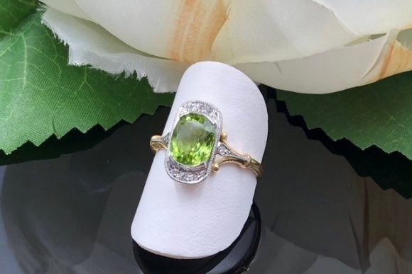 Antique 14K Peridot Diamond Ring