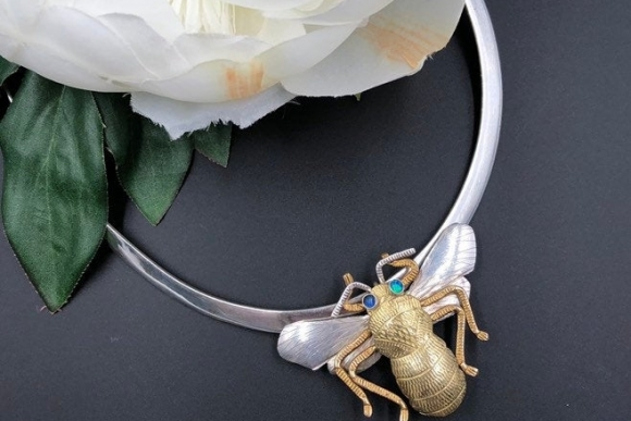 Courtney Design Sterling Silver Bee Brooch Pendant on Sterling Tapered Neck Wire
