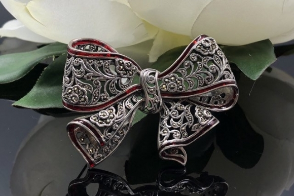 Sterling Marcasite Red Enamel Christmas Bow Brooch