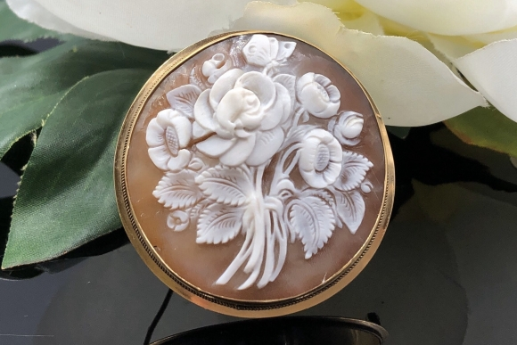14K Floral Cameo Round Brooch, Hand Carved Shell Cameo, Round Bouquet Cameo