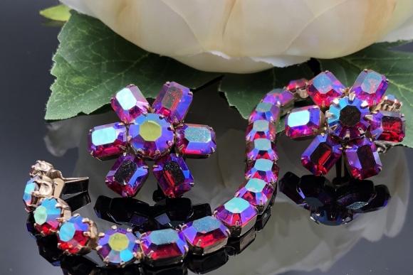 Vintage Weiss Jewelry Set, Fuchsia Pink Aurora Borealis Emerald Cut Rhinestones Bracelet Earring Set