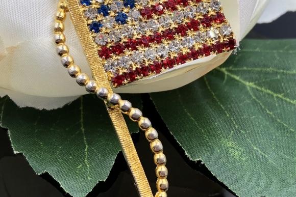 Vintage USA Flag Rhinestone Brooch