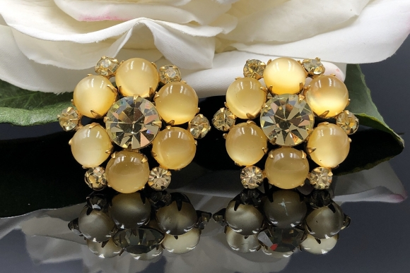 Vintage Yellow Moonglow Rhinestone Clip On Earrings
