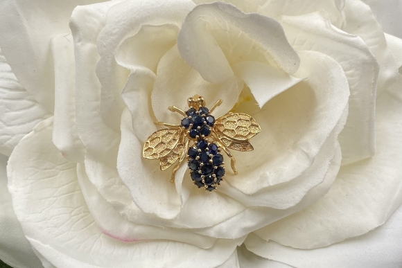 Vintage 14K Sapphire Bumble Bee Pin