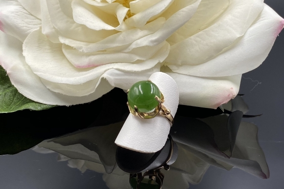 Vintage 14K Green Jade Ring, Nephrite Jade Ring, 35th Anniversary