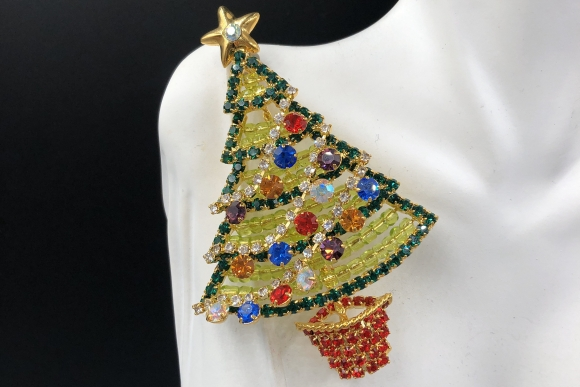 Large Christmas Tree Brooch, Stand Alone Tree