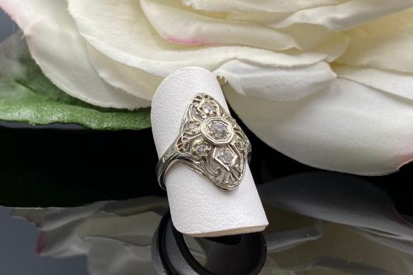 Art Deco 14K White Gold Filigree Diamond Dinner Ring