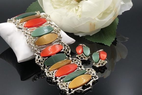 Thermoset Plastic Bracelet Earrings Demi Parure