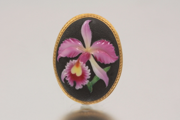 Beautiful Toshikane Arita Porcelain Oval Orchid Brooch