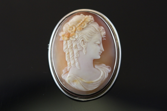 Antique Lady Shell Cameo Pin or Pendant