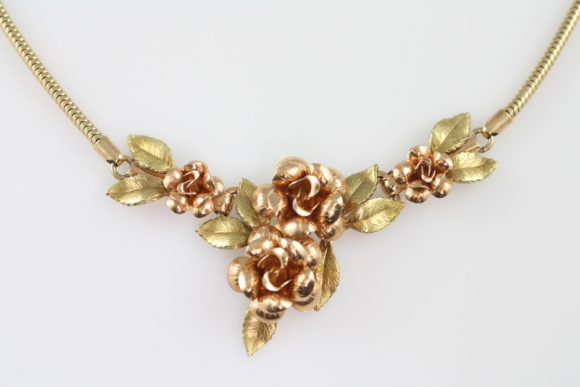 Beautiful Krementz Rose Necklace